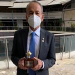 Dr. Sigifredo Muñoz: recibe máxima distinción como anestesiólogo