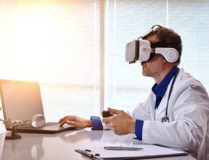 Doctor,Examining,With,3d,Content,With,Virtual,Reality,Glasses,At